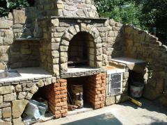 Professional masonry stoves, BBQ, fireplaces, construction of the bass